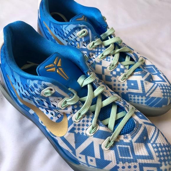Nike Boys Youth Kobe Bryant Shoes Size